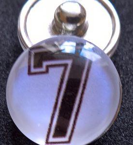Knappsmycke Nummer 7