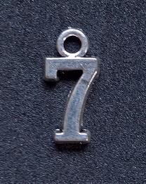Hängsmycke Nummer 7